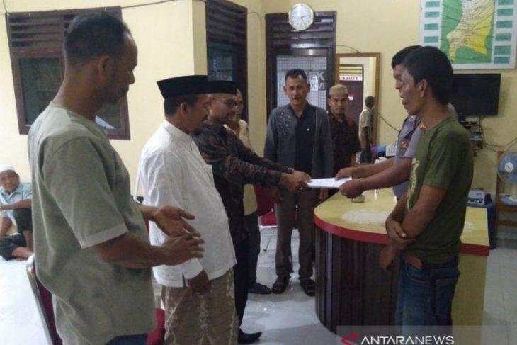 Nikahkan isteri orang, seorang penghulu liar di Aceh Barat dipolisikan