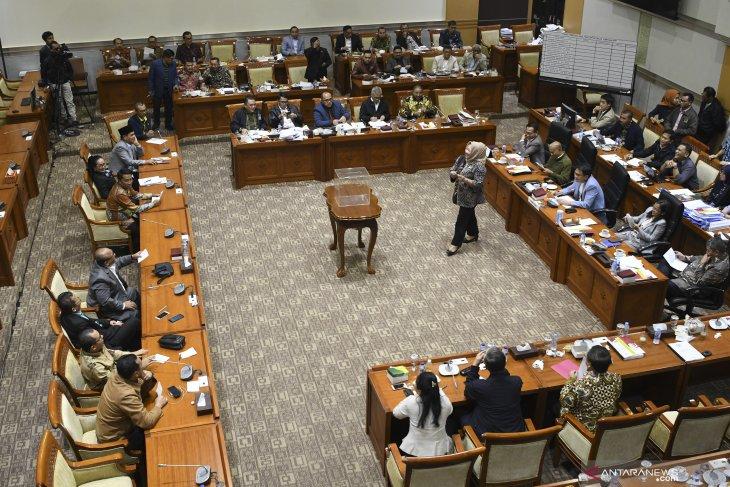 Paripurna DPR setujui lima Capim KPK 2019-2023