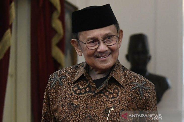 Gubernur Gorontalo : terima kasih sudah mendoakan Habibie