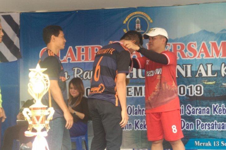 Olahraga bersama dan penutupan Turnamen Sepak Bola Danlanal Cup