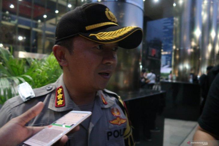 Polisi nilai demo di gedung KPK tertib meski diwarnai bakar  spanduk