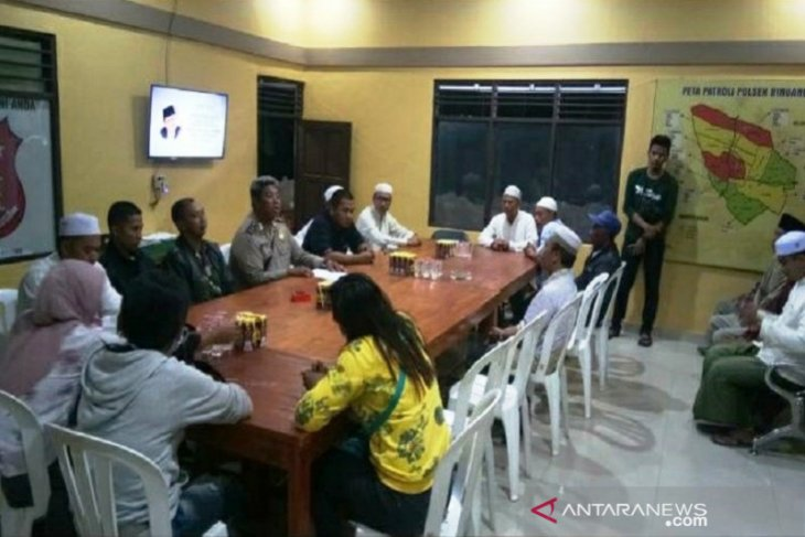Kontes Waria Tiga Kabupaten Di Kalsel Dibatalkan