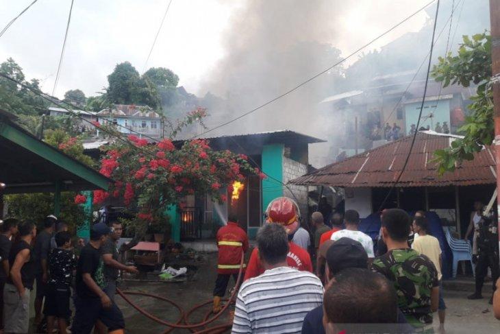 Polres Ambon benarkan dua warga tewas dalam kebakaran