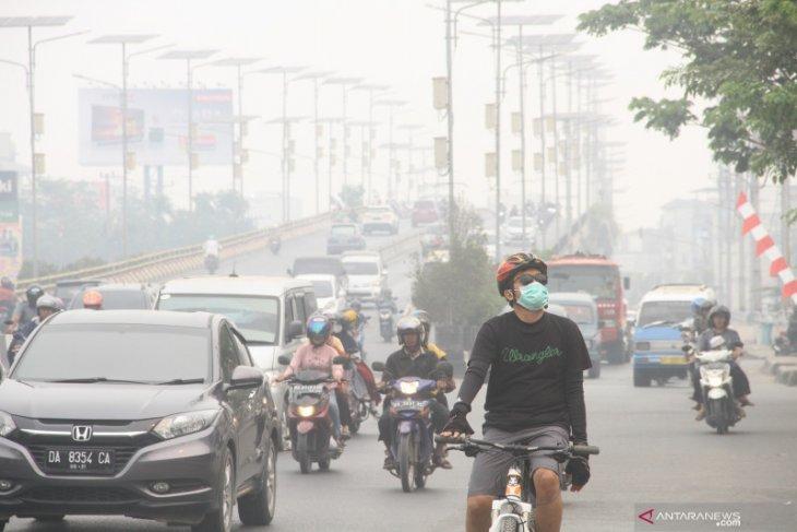 Haze covers Banjarmasin does not disturb