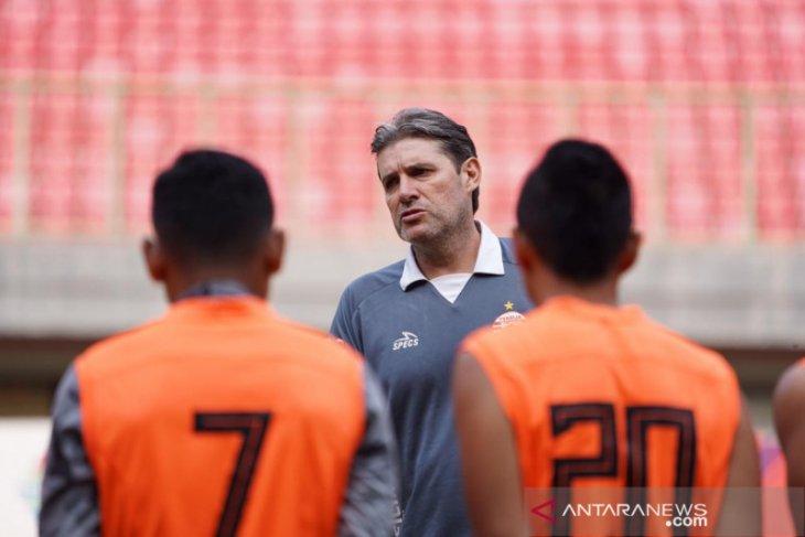 Usai ditaklukkan Bali United, Persija pecat Julio Banuelos dan Eduardo Perez