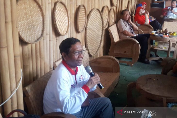 Mahfud MD sebut KPK tidak bisa mengembalikan mandat kepada presiden