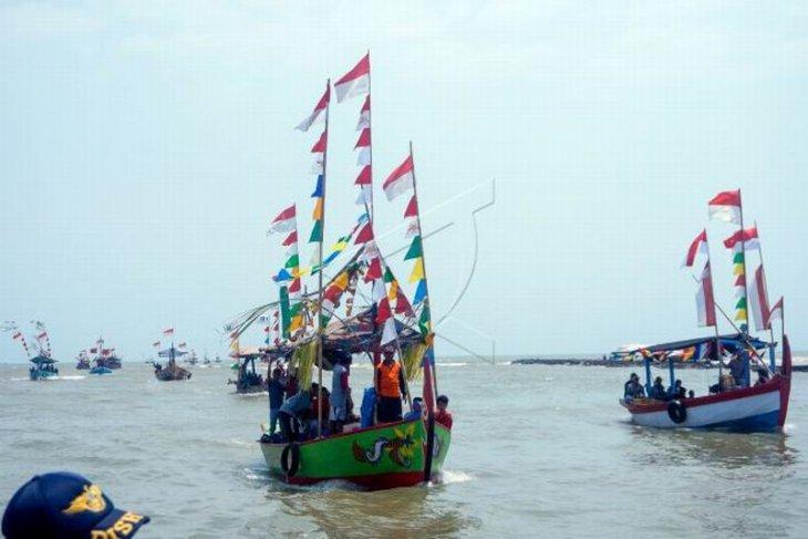 Tradisi sedekah laut