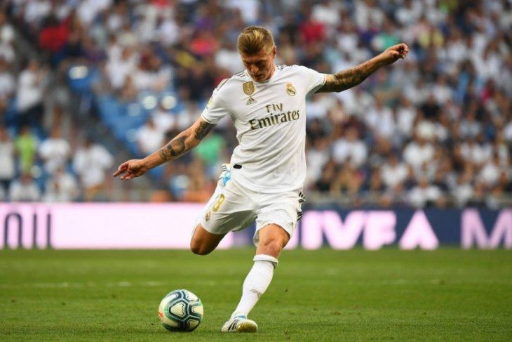 Real Madrid pertimbangkan barter Toni Kroos dengan Paul Pogba
