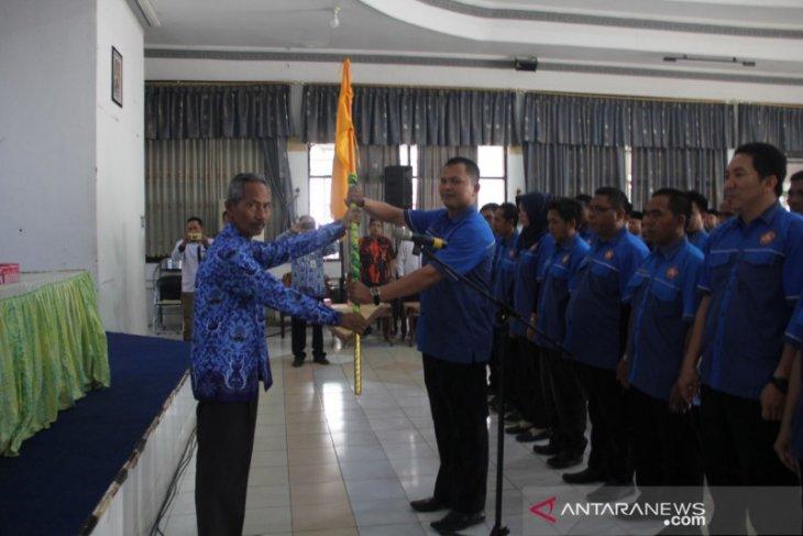 Supiani resmi dikukuhkan sebagai ketua Forum Komunikasi Karang Taruna HST