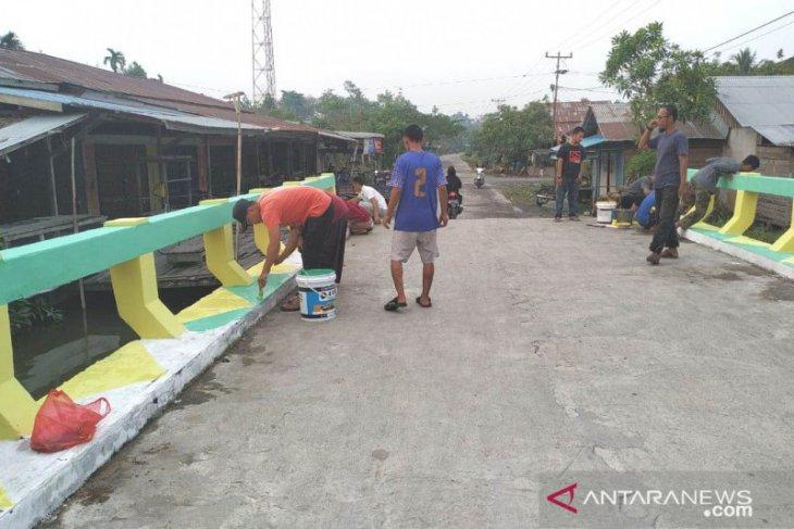 Sambut MTQ VI Se-kecamatan, Pemdes Sungai Baru memperindah desa