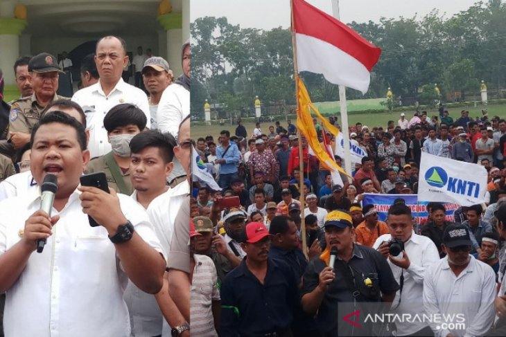 Ribuan nelayan Tanjungbalai-Asahan unjukrasa ancam bakar pukat trawl