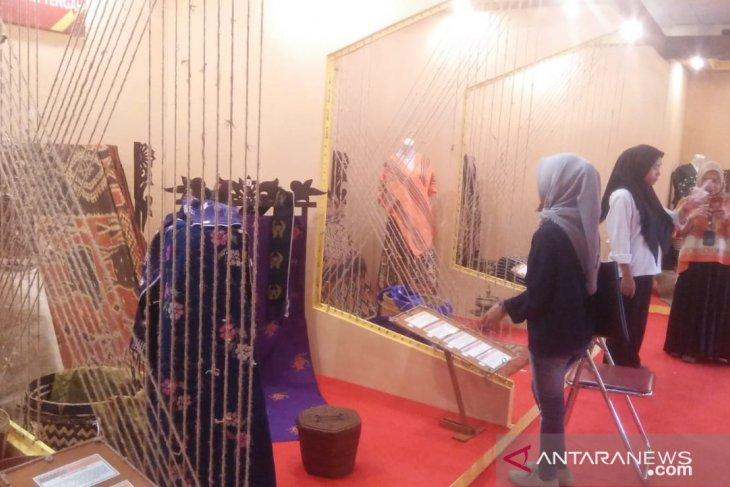 Pengunjung pameran kain Nusantara capai ribuan orang