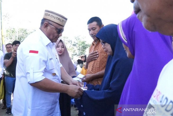 Pemprov Gorontalo salurkan bantuan BAZNAS untuk pangan di Paguyaman