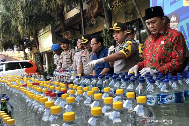 Polres Malang Kota amankan ribuan botol minuman keras
