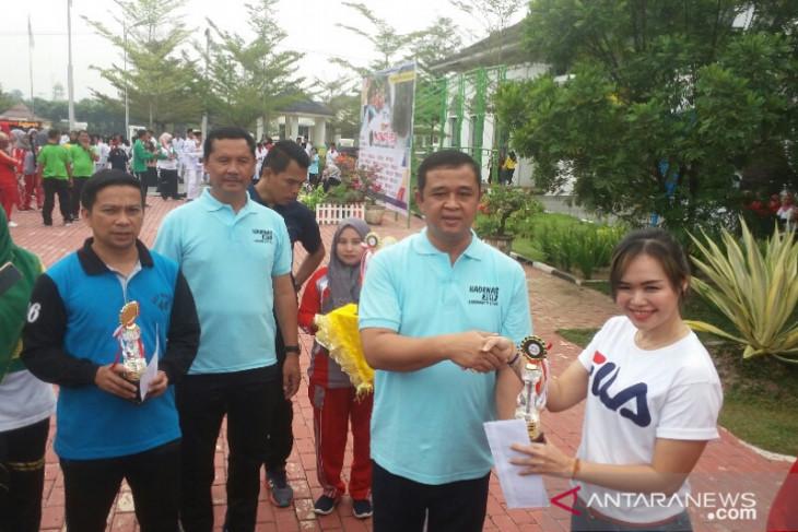 Pemkab Labura berikan penghargaan kepada atlet berprestasi