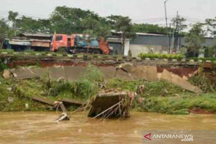 BBWS Ciliwung-Cisadane mulai perbaiki tiga tanggul jebol di Bekasi