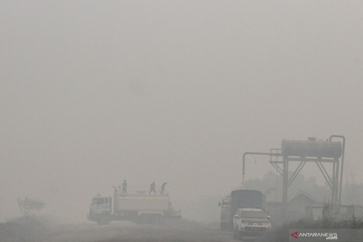 Empat penerbangan di Pekanbaru dialihkan akibat asap pekat