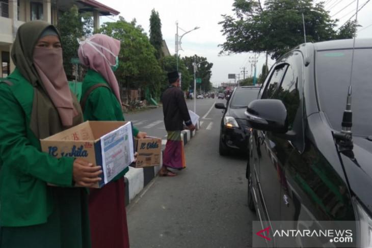 Mahasiswa Aceh Barat galang dana bantu korban kabut asap di  Riau