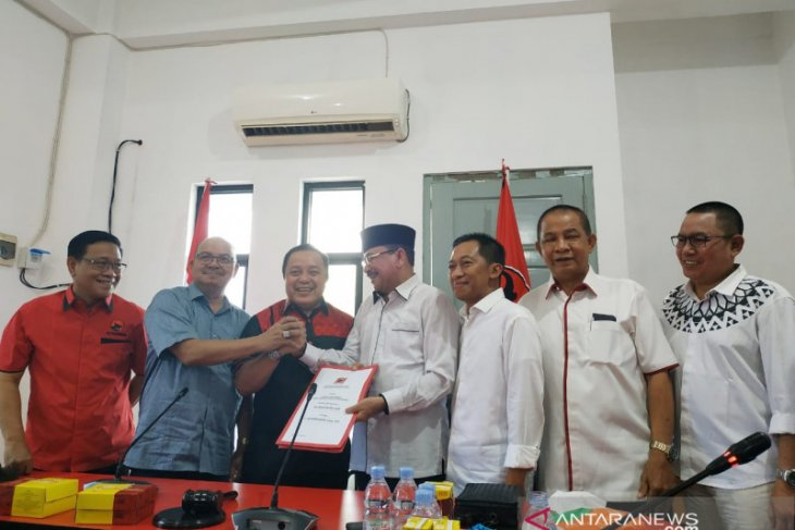 Golkar daftarkan Paman Birin  ke PDIP sebagai calon gubernur Kalsel