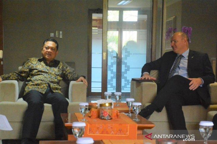 Dubes Selandia Baru kagumi pembangunan berbasis budaya di Denpasar