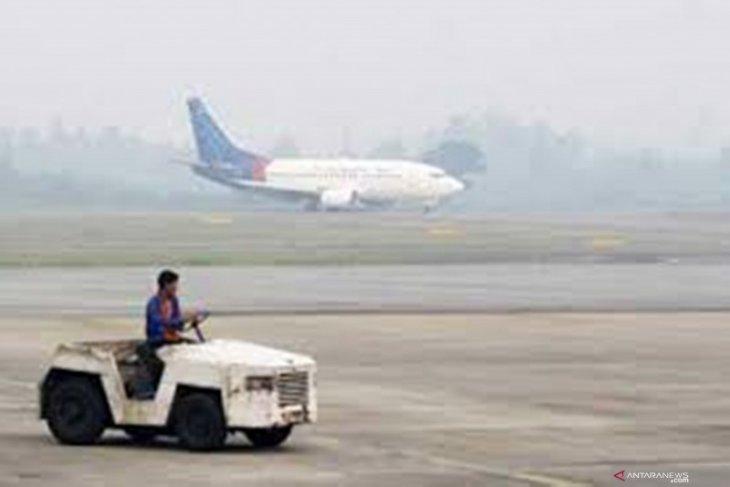 Kabut asap ganggu penerbangan pagi di Jambi