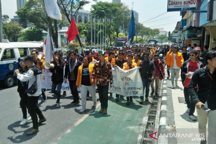 Tolak RKUHP dan UU KPK mahasiswa datangi DPRD Balikpapan