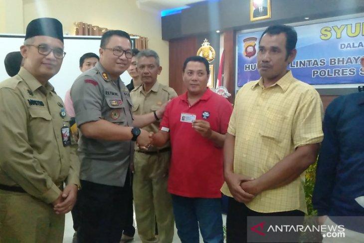 Polres Singkawang luncurkan kartu Smart SIM
