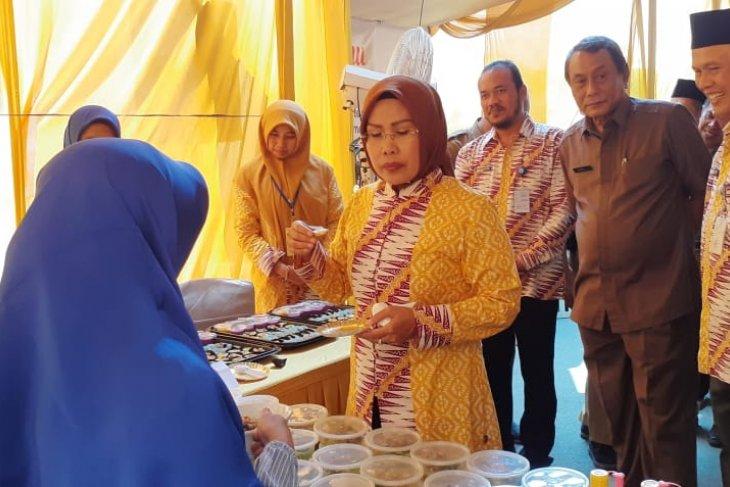 Bupati Serang harap  masyarakat manfaatkan bahan makanan lokal.