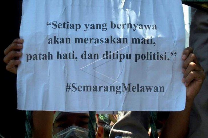 Unjuk rasa mahasiswa tolak UU KPK hasil revisi dan RUU KUHP