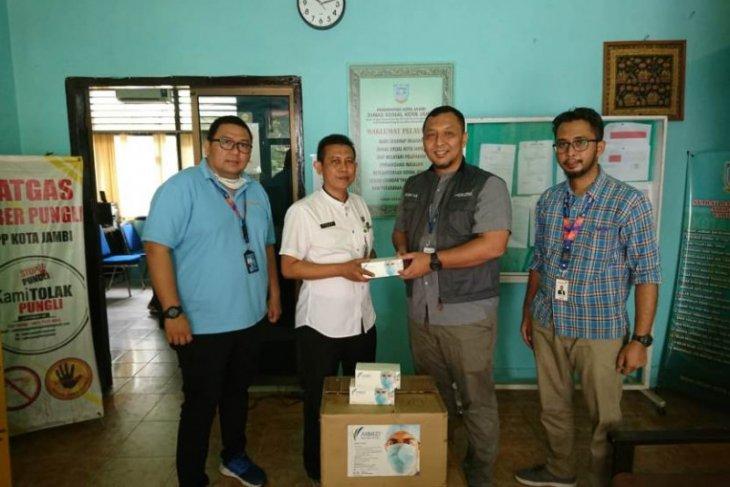 Angkasa Pura II bagikan ribuan masker bagi warga dan relawan