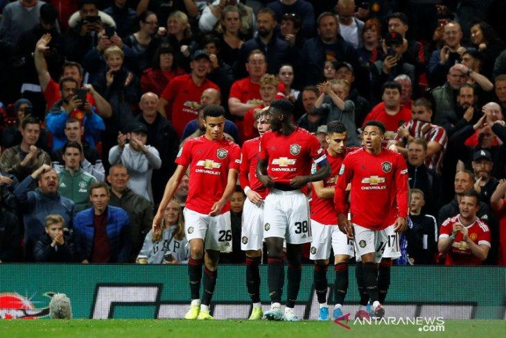 Piala Liga Inggris, MU dan Wolverhampton lolos berkat adu penalti, West Ham tersingkir