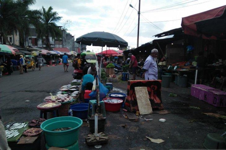 Gempa Maluku, sejumlah warga masih berlindung di Masjid Baiturahman
