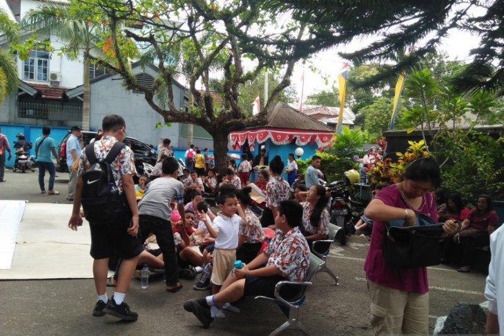 Siswa SD  Kalam Kudus Ambon diwajibkan sediakan helm