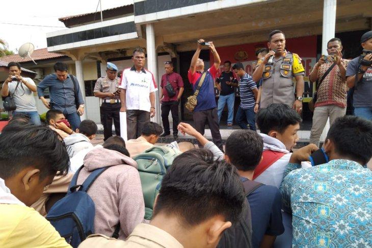 39 pelajar Asahan dan Tanjung Balai diamankan karena ingin berunjuk rasa