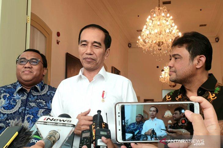 Jokowi tandatangani Perpres 63/2019, pegawai pemerintah dan swasta wajib berbahasa Indonesia