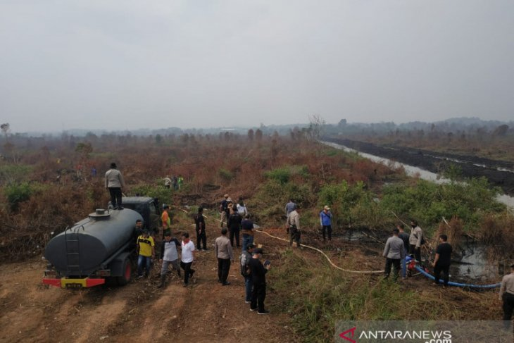 Pemprov Kalsel kendalikan air irigasi ke lokasi Karhutla gambut