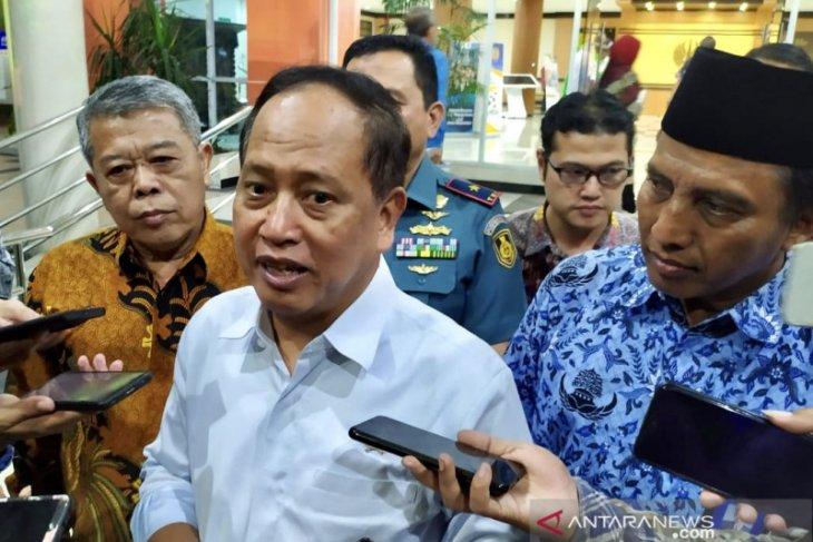 Menristekdikti Mohamad Nasir  kecewa mahasiswa tolak pertemuan dengan Presiden Jokowi
