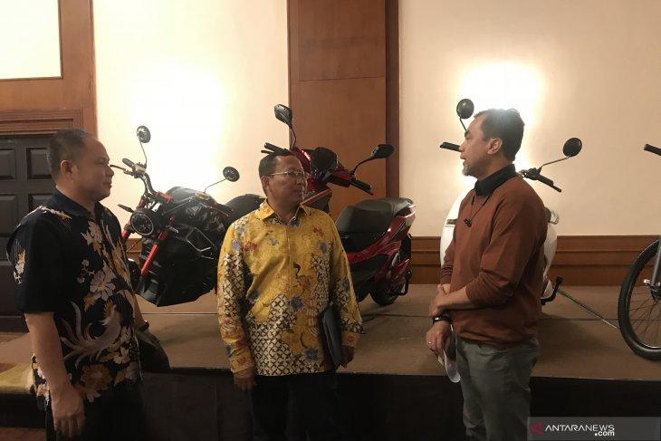 Untuk keamanan, kendaraan listrik di Indonesia dirancang tetap bersuara