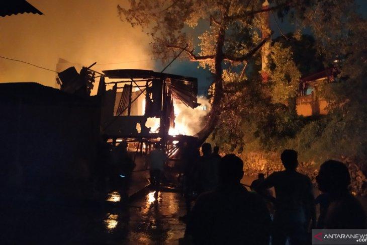 Kebakaran hebat di Medan, satu warga dilarikan ke RS