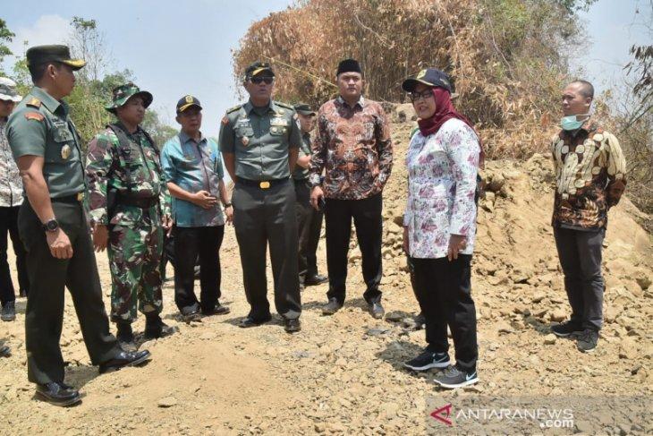 Ade Yasin manfaatkan program TMMD buka akses jalan Bogor-Cianjur-Purwakarta