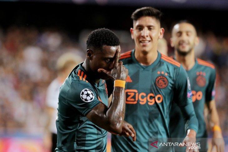 Ajax bungkam Valencia 3-0 di Mestalla