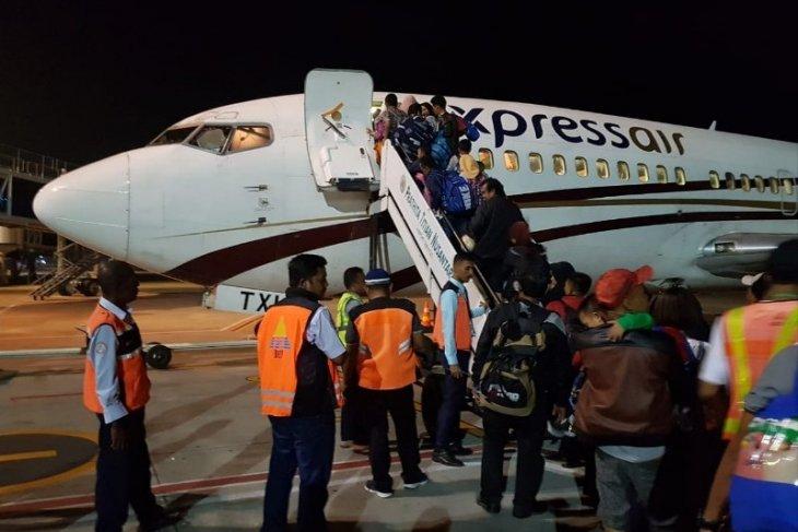 Sebanyak 140 pengungsi asal Sumbar dievakuasi dari Sentani