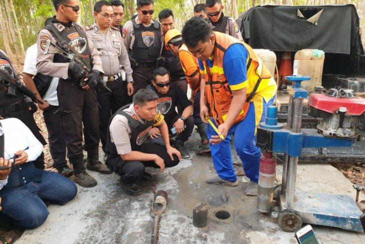 Antisipasi penyelewengan dana desa, Polres-Saber Pungli Lumajang cek kualitas jalan