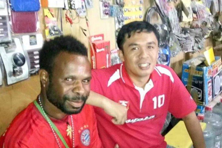 Kisah Rudi Kormas selamat dari rusuh Papua berkat handy talky