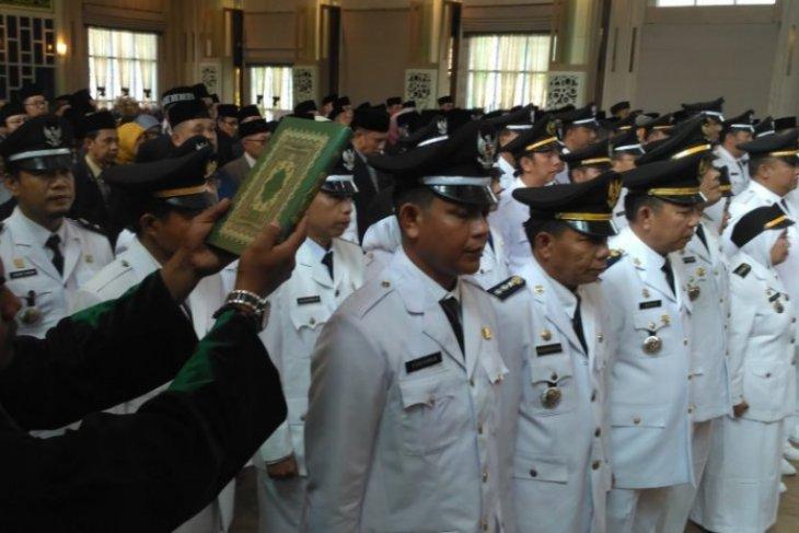 Dua ratusan pejabat Pemkot Jambi bergeser posisi