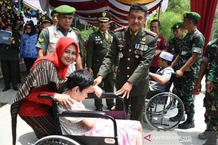 HUT TNI di wilayah Korem 023/KS diwarnai aksi sosial dan pengobatan gratis