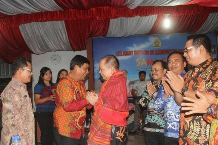 Bupati Kapuas Kalteng studi pariwisata ke Samosir