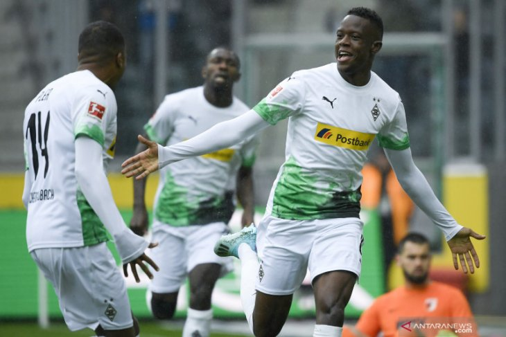 Liga Jerman - Moenchengladbach ke puncak klasemen setelah hancurkan Augsburg