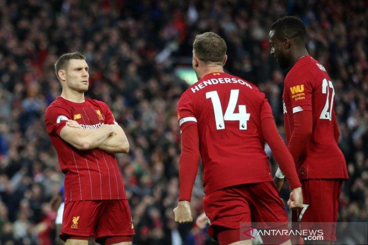 Liverpool  unggul delapan poin di puncak Liga Inggris