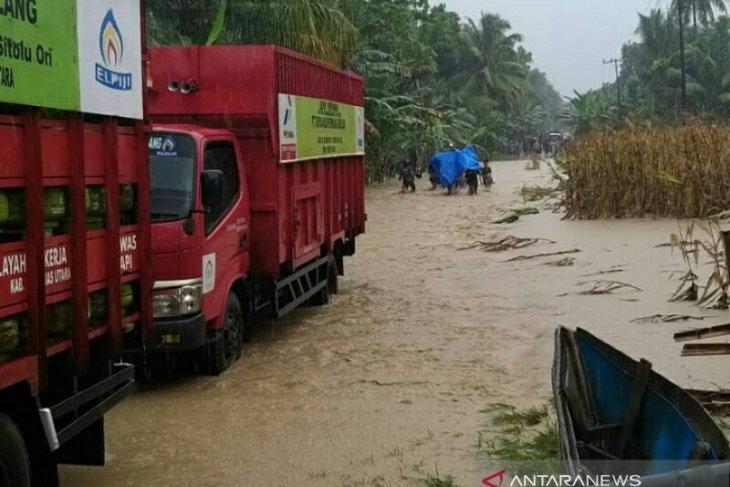 Banjir sebabkan penyaluran LPG di Gunungsitoli terhambat
